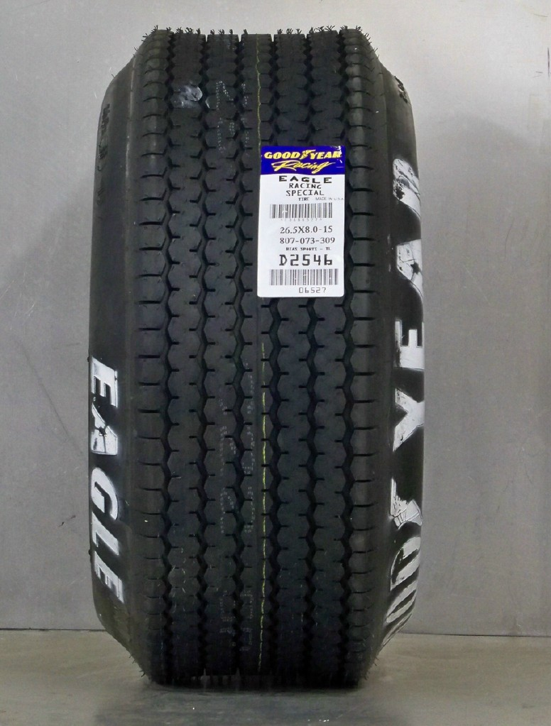 Goodyear Eagle Billboard 26.5/8/15 Cobra Front tire
