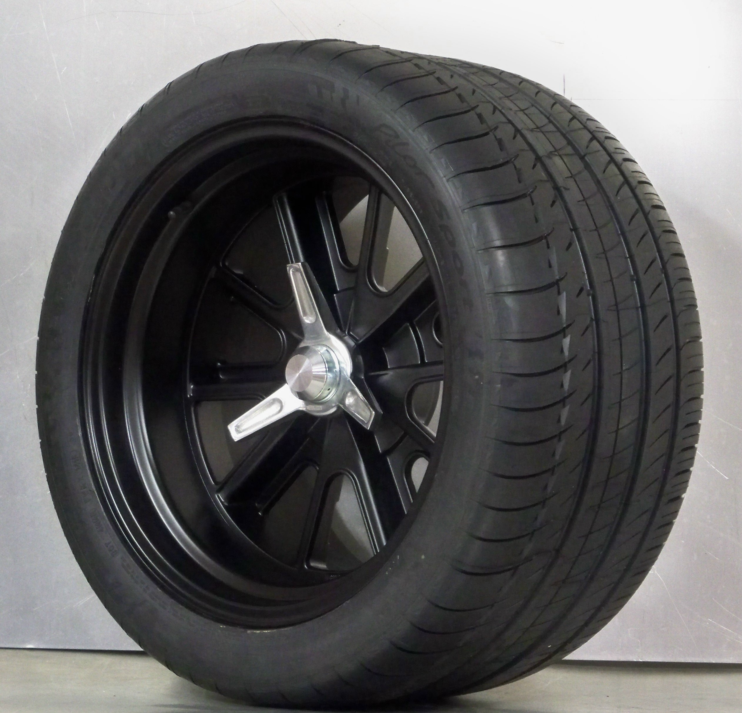 305 35 18 >> 427 PIN DRIVE 18 satin Black set 4 wheels with NITTO NT01 ...
