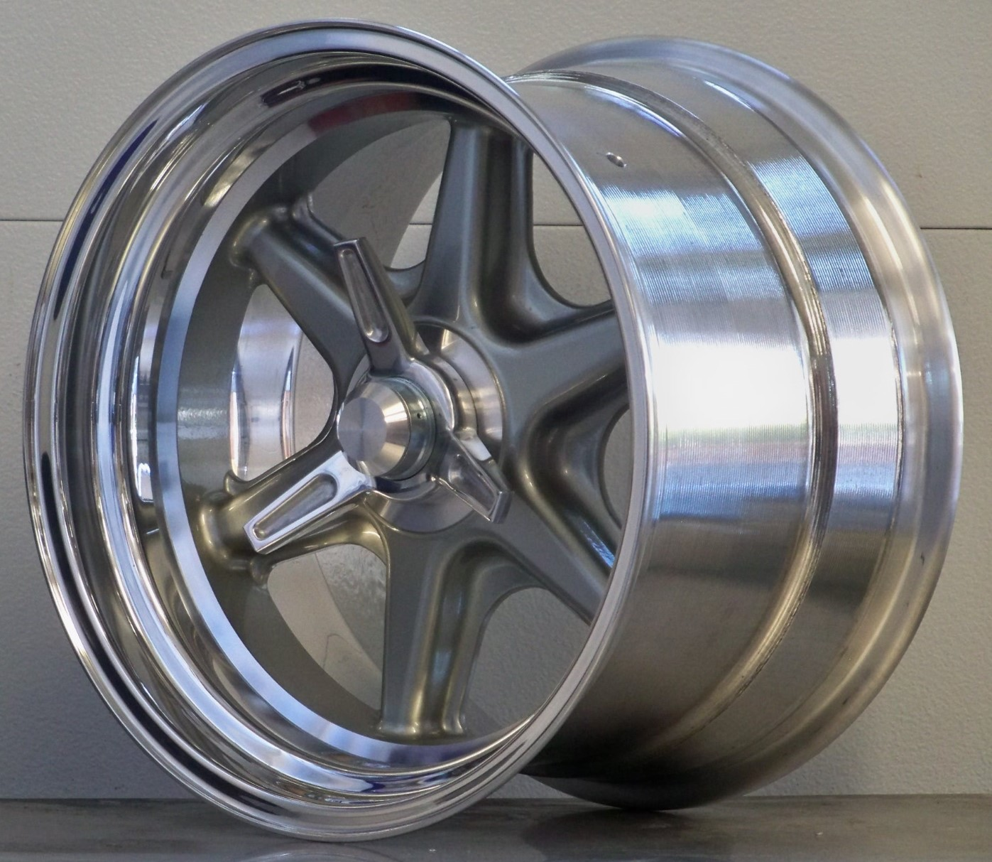 BR17 Wide rear 17 x 8 17 x 12 plus adapters/spinners